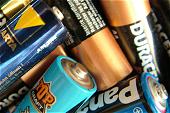 Für die Umwelt: Entsorgen Sie alte Batterien bitte richtig.